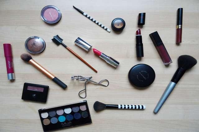 Berdosakah Menjual Kosmetik?