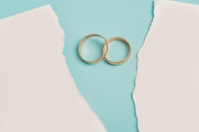 Bagaimana Jika Orang Tua Melarang Menikah Dengan Alasan Yang Tidak Syar'i?