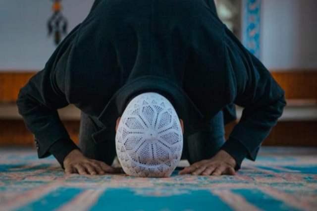 Bolehkah Berdoa Pada Tahiyat Awal?