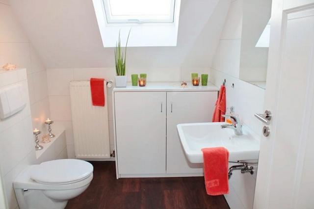 Bagaimana Hukum Menjawab Adzan Ketika Di WC?