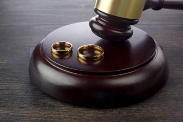 Bagaimana Hukum Menikahi Saudara Tiri?