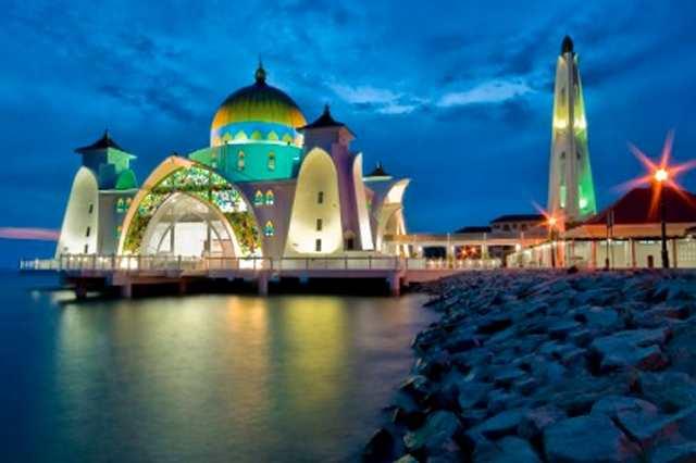 Bolehkah Shalat di Rumah Bagi Orang yang Rumahnya Jauh dari Masjid?