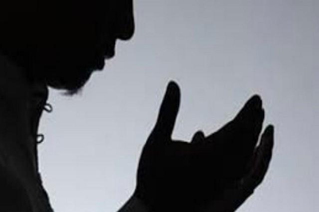 Apakah Ketika Berdoa, Harus Menutup Aurat?