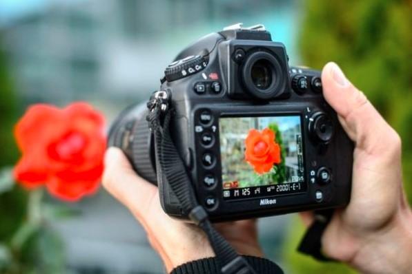 Wahai Wanita, Janganlah Bermudah – Mudahan Untuk Difoto