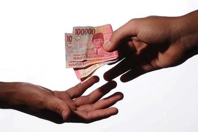 Orang Tua Selalu Meminta Uang, Padahal Berpenghasilan